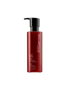 Conditioner che deterge delicatamente i capelli colorati e previene lo sbiadimento del colore.